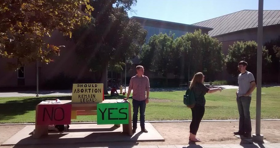 On September 26th, 2014, Equal Rights Institute trained a group of Biola University students. Then on September 30th we brought them to CSU Fullerton so they could put what they learned about dialogues about abortion into practice. We set up a simple poll table as a way to get conversations started.