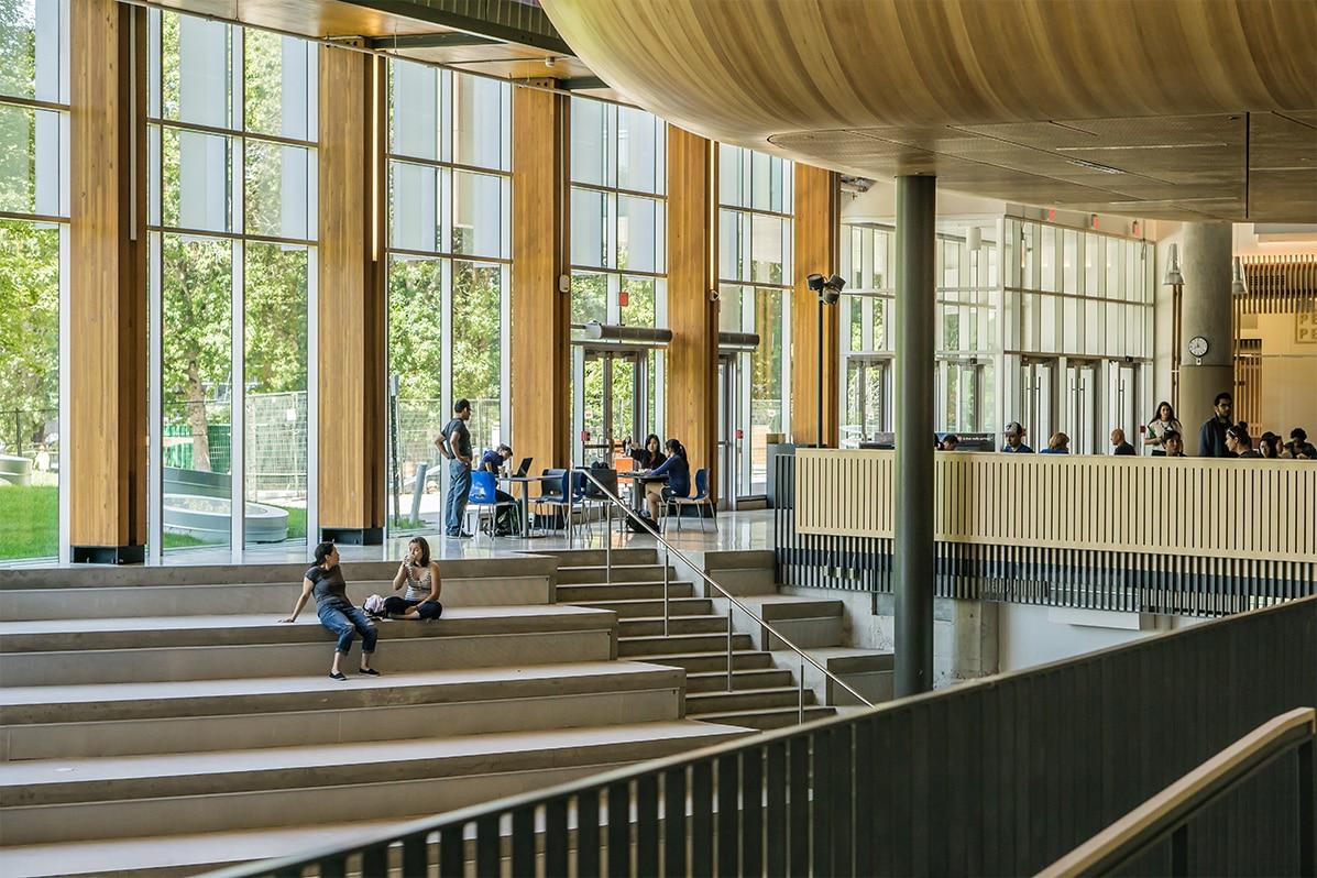 Image of college campus.